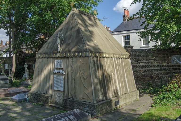 London-Tent-of-Tomb